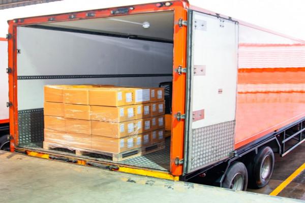 Transportes, armazenagem, logística e logística re
