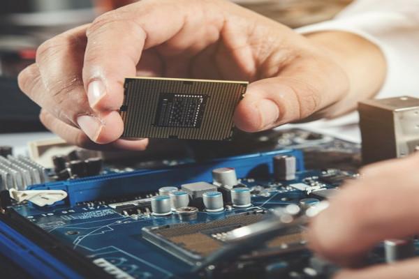 Informática, eletrônicos e ópticos